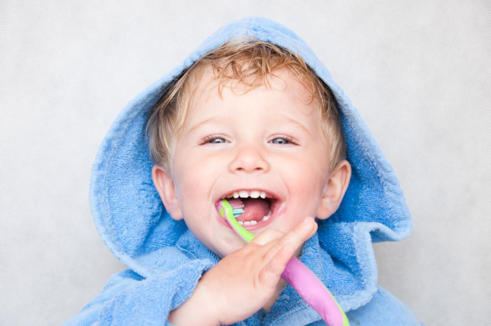 Child brushing teeth | Orlando Dentist